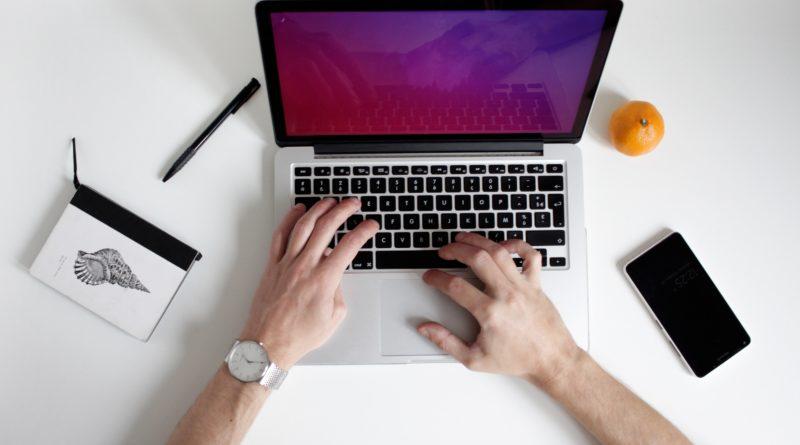 Como a tecnologia pode te ajudar a aprender inglês